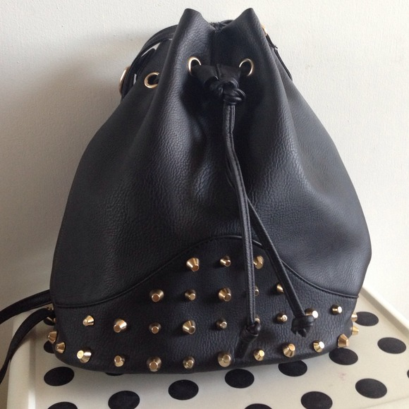 082014_wish list wed_bucket bag 5
