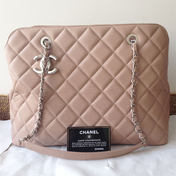 120514_chanel boutique_quilted blush bag