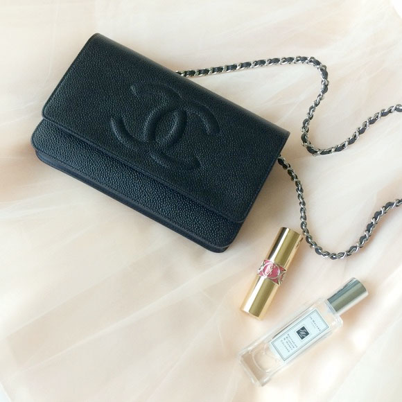120514_chanel boutique_wallet on chain