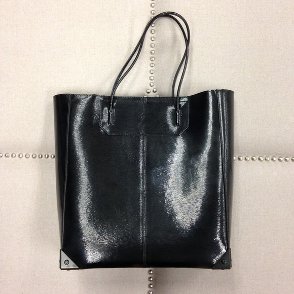 013015_luxury on poshmark_alexander wang tote