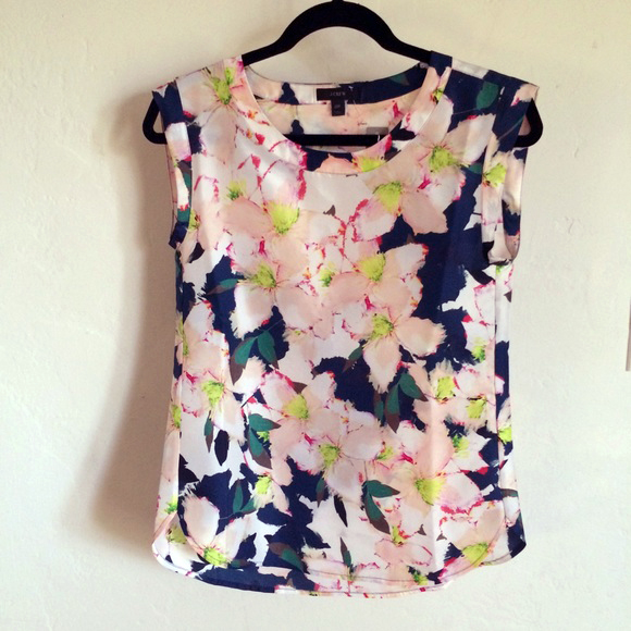 040215_get the look_floral top