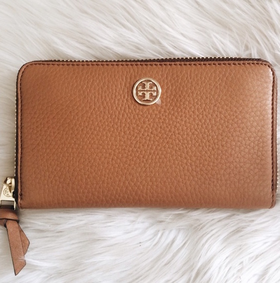 New Tory Burch Clutches & Wallets